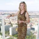 Leona Machálková - 410 x 640
