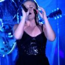 Kelly Clarkson performing at The Cosmopolitan in Las Vegas, NV (July 27) - 454 x 683