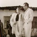 Greg Bautzer and Joan Crawford - 454 x 570