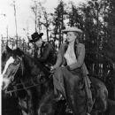 John Wayne, Constance Towers - 454 x 569