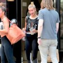 Hailey Baldwin – Leaving the gym in NYC - 454 x 636