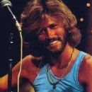 Barry Gibb - 370 x 676
