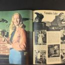 Veronica Lake - Screen Guide Magazine Pictorial [United States] (June 1946) - 454 x 340