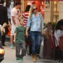Kate Hudson shopping in Paris with Ryder (July 5)