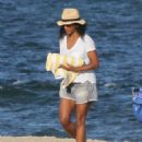 Solange Knowles in Denim Shorts at the Beach in The Hamptons - 454 x 553