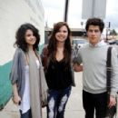 Selena Gomez posed with fans
