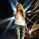 Shakira 102 7 Kiis Fms 2014 Wango Tango