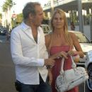 Nicollette Sheridan And Michael Bolton In Beverly Hills 2007-09-07 - 454 x 616