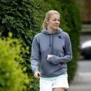 LeAnn Rimes - Leaves Her Home To Get Coffee In L.A., 2009-05-16