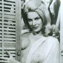 June Wilkinson - 454 x 442