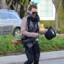 Hilary Duff stops by a gym for a workout in Studio City, California on January 24, 2017 - 429 x 600