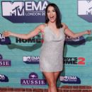 Lali Esposito – 2017 MTV Europe Music Awards in London - 454 x 620