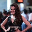 Gauhar Khan at IIFA Awards 2012 - 396 x 594
