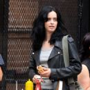 Krysten Ritter and Rachael Taylor – Filming 'Jessica Jones' set in Manhattan - 454 x 691