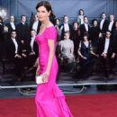 Elizabeth McGovern – 'Downton Abbey' Premiere in London - 454 x 681