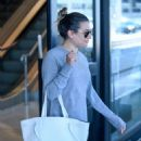 Lea Michele – Arrives at LAX Airport in Los Angeles - 454 x 634