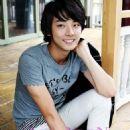 Yoon Shi-yoon - 454 x 611