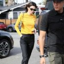 Kendall Jenner – Grabs a bite at the Butcher's daughter in Venice