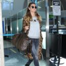 Heidi Klum is seen arriving on a flight at LAX airport in Los Angeles, California on January 23, 2017 - 432 x 600