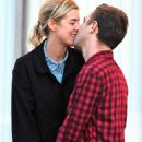 Agyness Deyn and Giovanni Ribisi - 454 x 733
