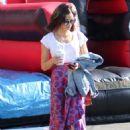 Jenna Dewan at Farmer's Market in Los Angeles - 454 x 634