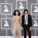 Grammys 2013: Singer Wins Best Alternative Music Album, Best Pop Duo/Group Performance - 454 x 646