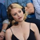Actress Emilie de Ravin attends