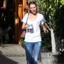 Sara Foster - At A Cafe In Brentwood (19.12.09)
