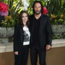 Winona Ryder and Keanu Reeves – 'Destination Wedding' Photocall in Beverly Hills - 454 x 666