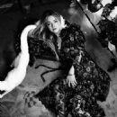 Dakota Fanning - Vogue Magazine Pictorial [Australia] (February 2018) - 454 x 681