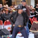 Tim McGraw - 396 x 594