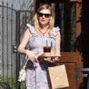 Kirsten Dunst – Out and about in Los Angeles - 454 x 836