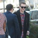 Hayden Christensen meets some friends for lunch in Beverly Hills, California on January 8, 2015 - 432 x 594
