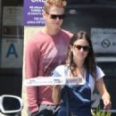 Rachel Bilson: grab a pizza in Van Nuys