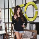 Selena Gomez at a photocall for the adidas NEO Fall/Winter 2013 Collection launch in Berlin (July 9) - 454 x 726