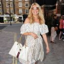 Tess Daly – Seen at Chiltern Firehouse in London - 454 x 669