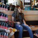 Miley Cyrus In Ripped Jeans Messin Around A Salon In Studio City - Aug 11 2008