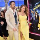 Blake Lively & Ryan Reynolds : Pokémon Detective Pikachu PremierePokémon Detective Pikachu - 399 x 600