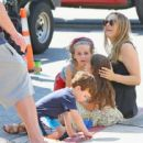 Alicia Silverstone at the farmer's market in Studio City, California on August 28, 2016 - 454 x 416