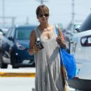 Halle Berry –  Shopping at IKEA in Burbank - 454 x 681