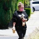 Hilary Duff – Stops for an iced coffee in Los Angeles
