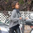 Halle Berry Shopping At Bristol Farms In Beverly Hills