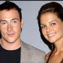 Chris Klein and Katie Holmes - 275 x 200