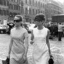 Doris Kleiner, Audrey Hepburn - 335 x 500