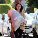 Madison Beer – Gives a big bag of clothes away to charity in LA