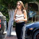 Alessandra Ambrosio – Shopping in West Hollywood - 454 x 681
