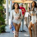 Winnie Harlow – With friends at Il Pastaio restaurant in Beverly Hills - 454 x 641