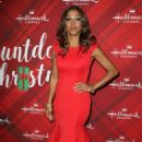 Holly Robinson Peete – 'Christmas at Holly Lodge' Screening in LA - 454 x 672