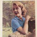 Sandra Dee - Movie News Magazine Pictorial [Singapore] (February 1960) - 454 x 571
