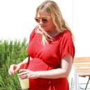 Kirsten Dunst in Red Dress out in Burbank - 454 x 681